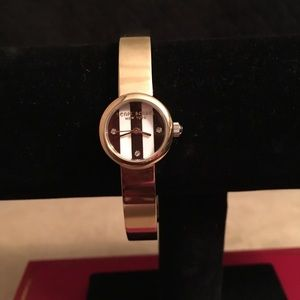 🆕 AUTHENTIC HENRI BENDEL GOLD TONE WATCH